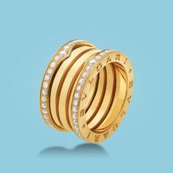 B.zero1 4-Band-Ring Gelbgold und Diamanten.