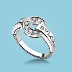BVLGARI BVLGARI 18 kt white gold ring with diamonds.